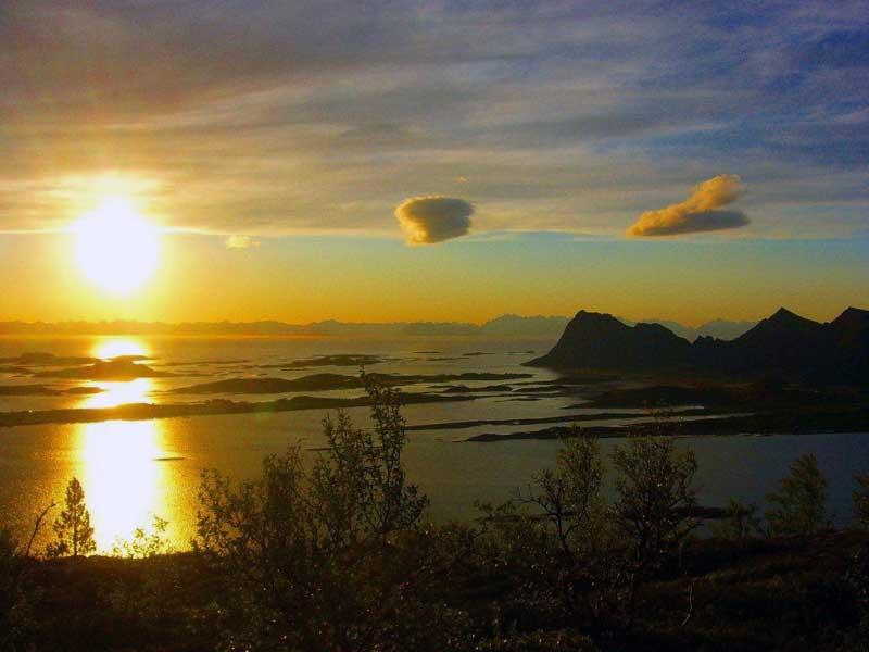 Engeløya-med-Lofotveggen